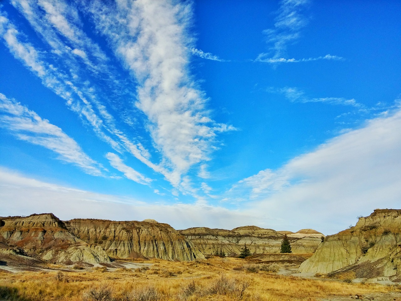 The 5 Most Iconic Roads In Alberta 2