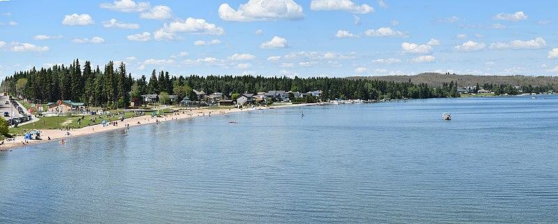 The Best Lakes In Alberta 3